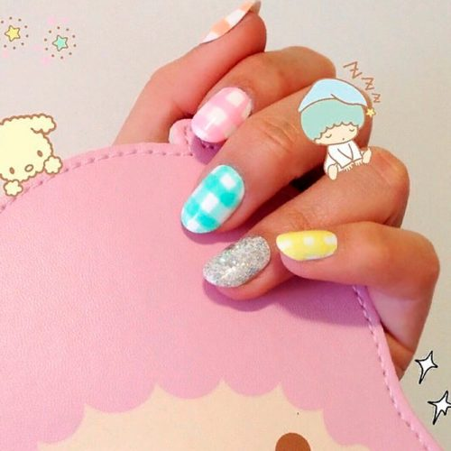 Colorful Gingham Nail Design #prettynails #colorfulnails