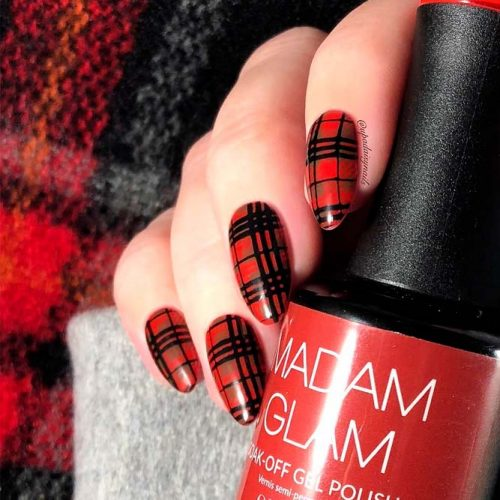 Gingham Or Plaid: What Is The Difference? #almondnails #rednails #plaidnails