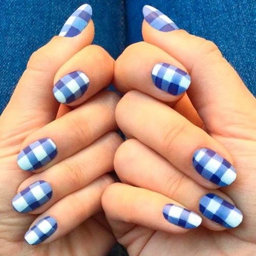 Classy Looking Aqua Blue And White Color Combinations #bluenails #roundednails