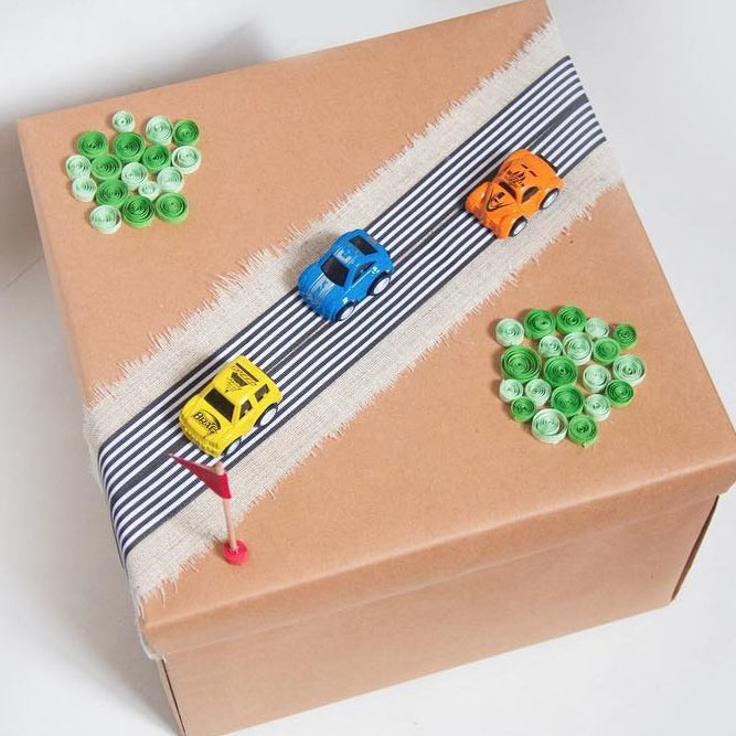 3D Gift Wrap For Child Present #3dgiftwrap #kidswrapping