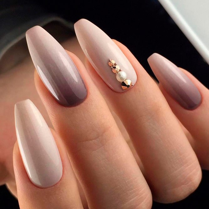 Soft Mauve Fade With An Accentuated Finger #ombrenails #rhinestonesnails