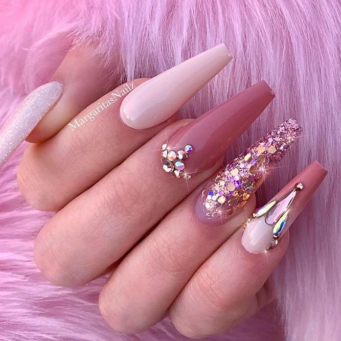 Luxury Long Mauve Nails With Sparkly Accents #longnails #rhinestonesnails