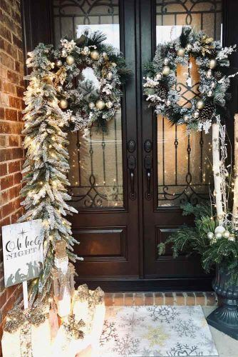 Festive Christmas Front Porch Decorations #wreath #garland