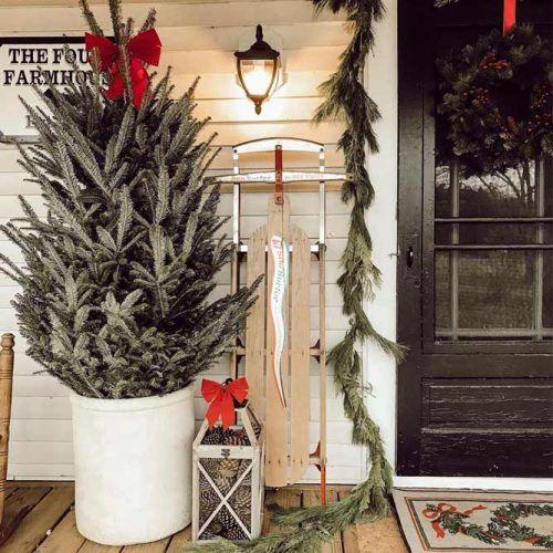 Christmas Tree Decorations #lantern #garland