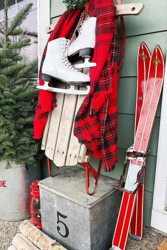 Outdoor Christmas Decorations With Sledge In Red Color #ski #sledge