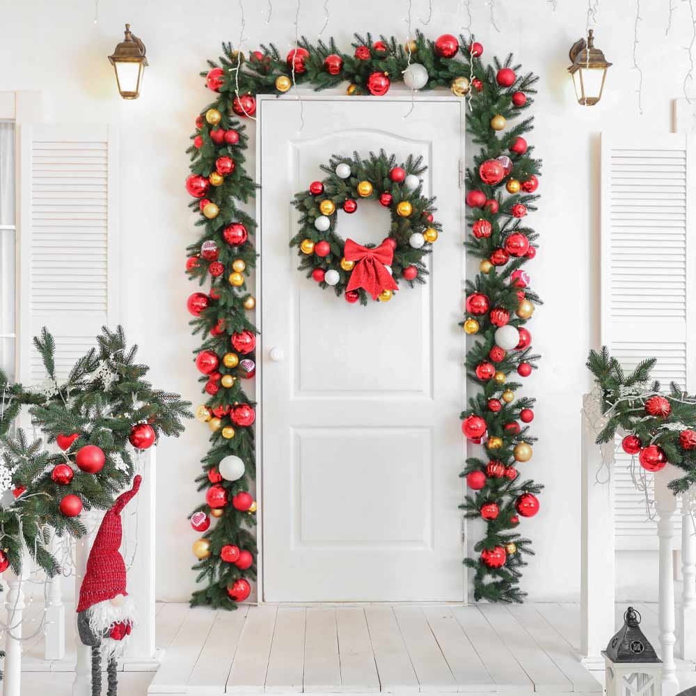 Beautiful Front Porch Christmas Decor