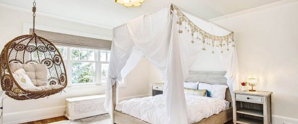 18 Best Canopy Bed Examples To Introduce Into Your Bedroom