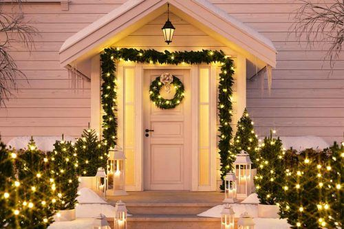Beautiful And Festive Outdoor Christmas Decorations