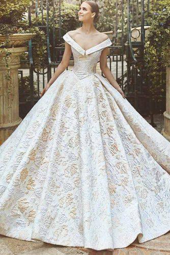 Shoulder-off White And Gold Wedding Dress #shoulderoff #whitegold
