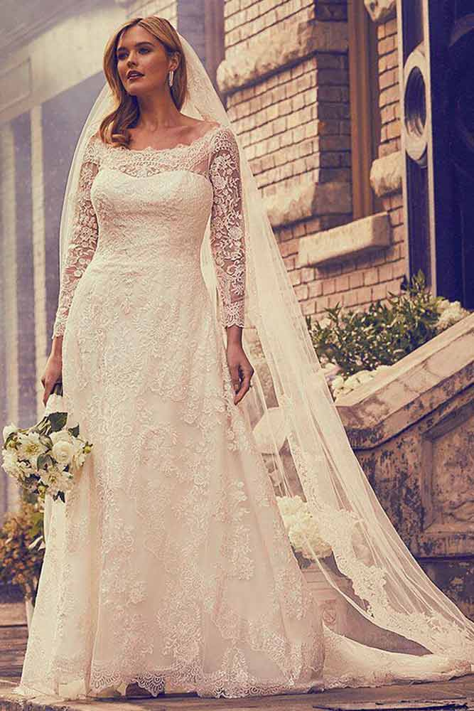 Plus Size Lace Dress With Long Sleeves #plussize #laceweddingdress