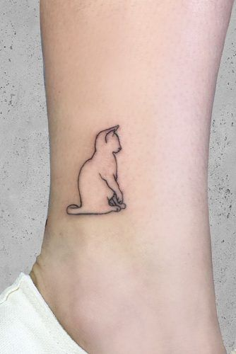 Simple Outline Ankle Tattoo #outlinetattoo #simpletattoo