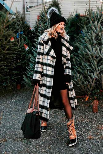 Long Plaid Fur Coat With Black Dress And Winter Boots #plaidcoat #longcoat