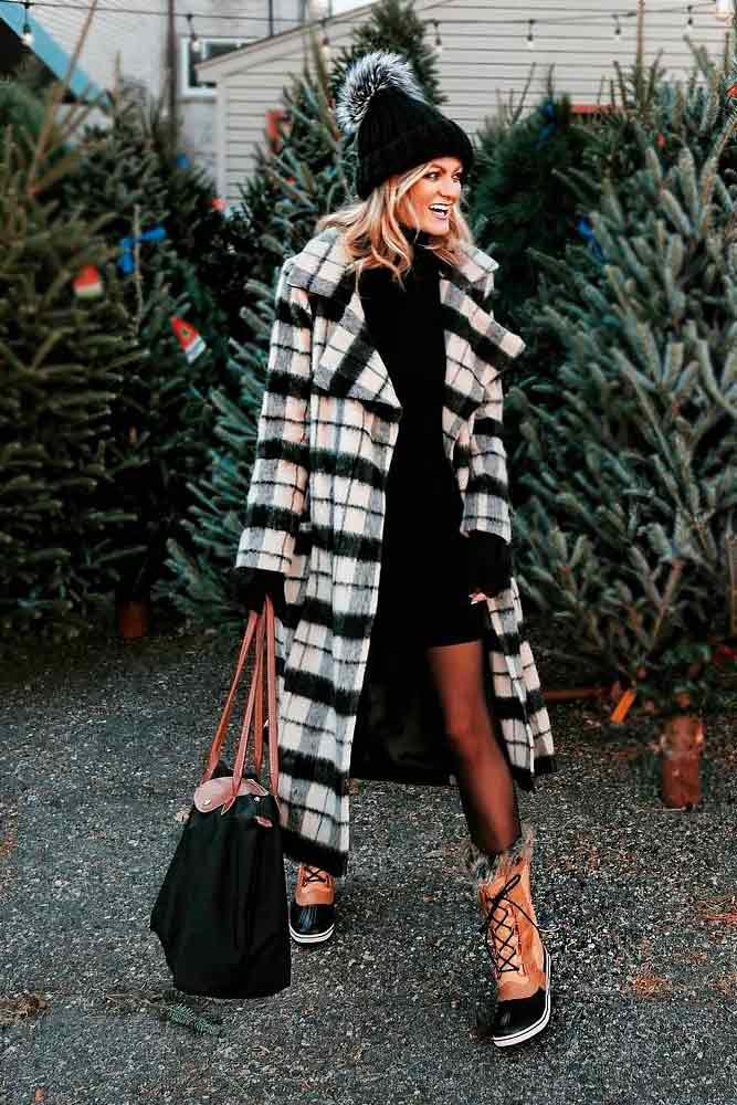 Long Plaid Fur Coat With Black Dress And Winter Boots #plaidcoat #longcoat