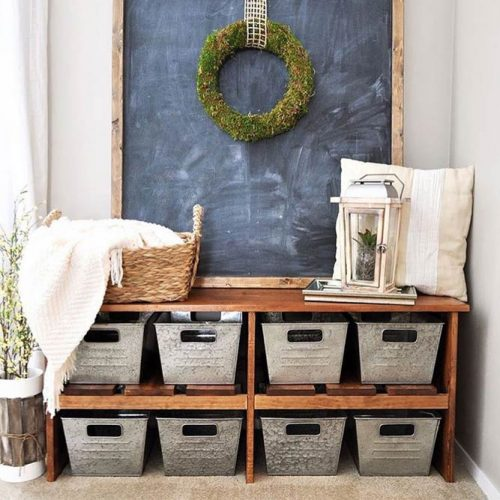 Rustic Farmhouse Mudroom Bench With Galvanized Bins #galvanizedbins #wreath