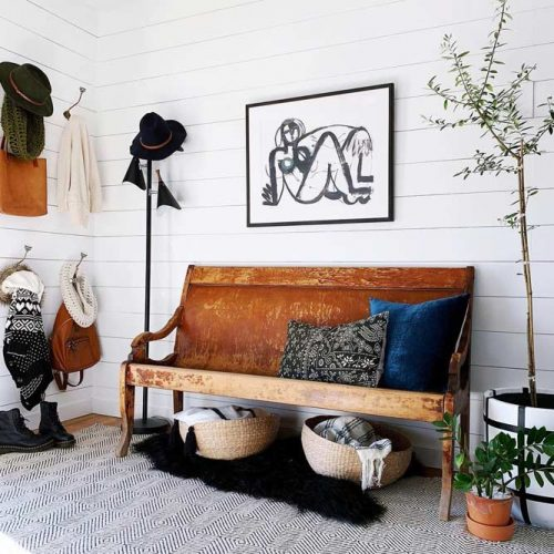 Boho Mudroom Idea #bohostyle #woodbench