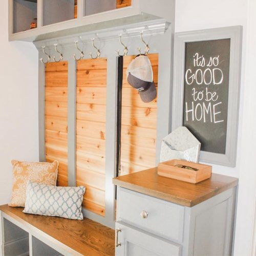 Mudroom Space With Chalkboard Accent #cubbies #lockers
