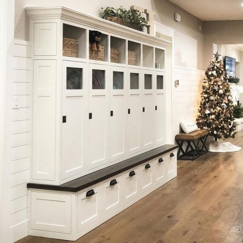 White Classic Mudroom Lockers Designs #whitecolor #lockers