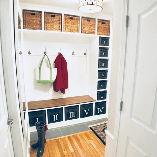 Functionality Mudroom With Plastic Lockers #cubbies #plasticlockers