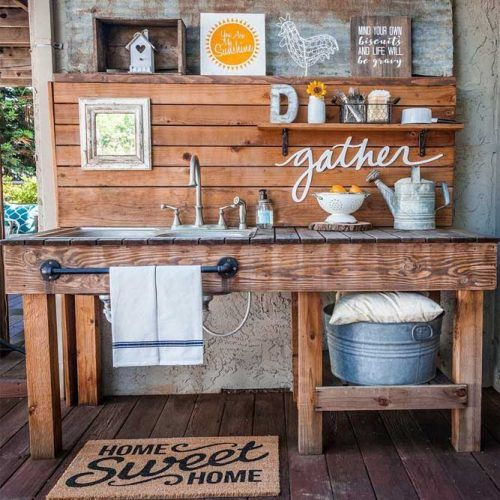 Small Outdoor Kitchen Space With Sink #rustic #smallkitchenspace