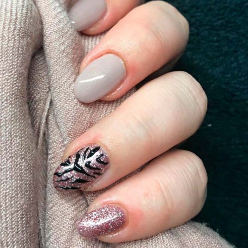 Animal Pattern Accentuated Finger #glitternails #accentedfingernails