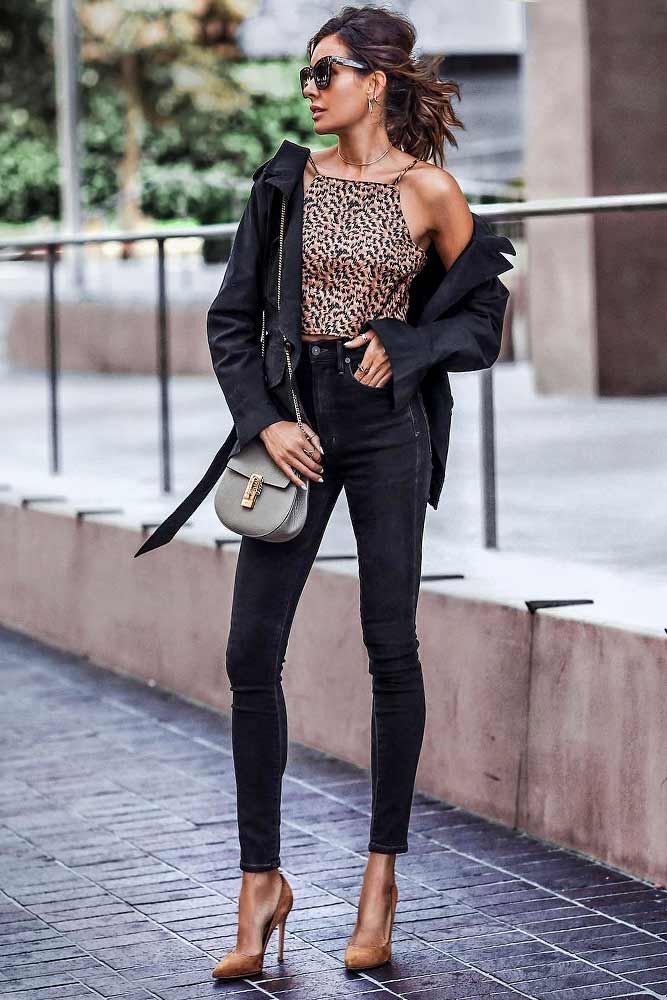 Black Outfits With Short Leopard Top #leopardtop #highwaistedjeans