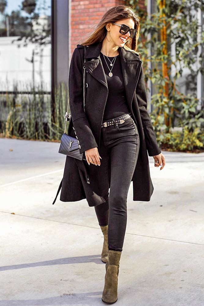 Monochromatic Look With Black Velvet Coat #monochromaticlook #blackoutfits