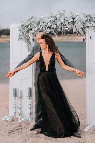 Simple Wedding Gown With Deep Cleavage #simpleweddingdress