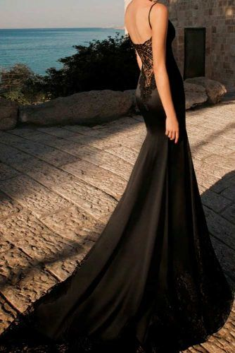 Graceful Black Mermaid Gown #mermaidweddingdress #elegantweddingdress #uniquedress