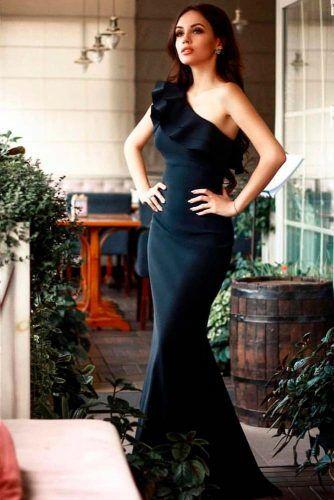 One Shoulder Ruffed Wedding Dress #elegantweddingdress #ruffeddress
