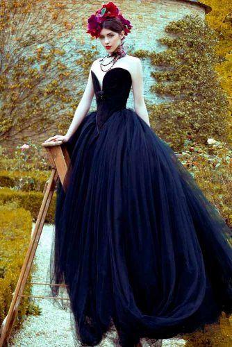 Ultra-Glam Ball Gown Wedding Dress #glamweddingdress #ballgown