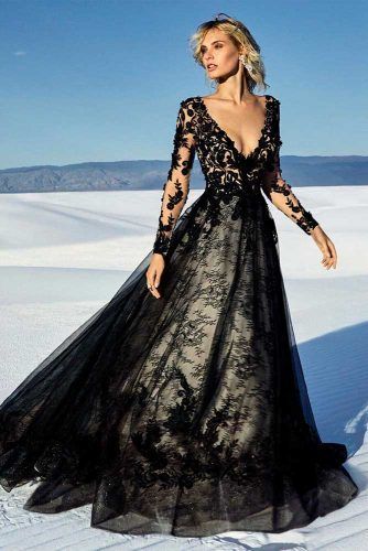 Goth-Chic Black And White Wedding Gown #conrastingweddingdress #gothicweddingdress