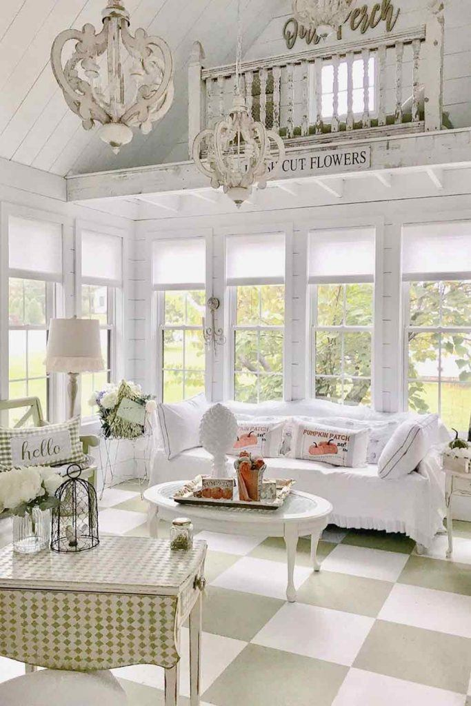 Vintage Sunroom In White Color #farmhouse #woodenlights