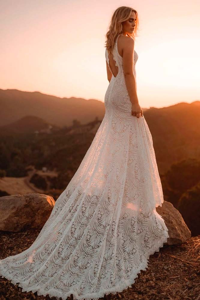 Cute Lace Wedding Dress For Outdoor Ceremony #laceweddingdress #bohoweddingdress