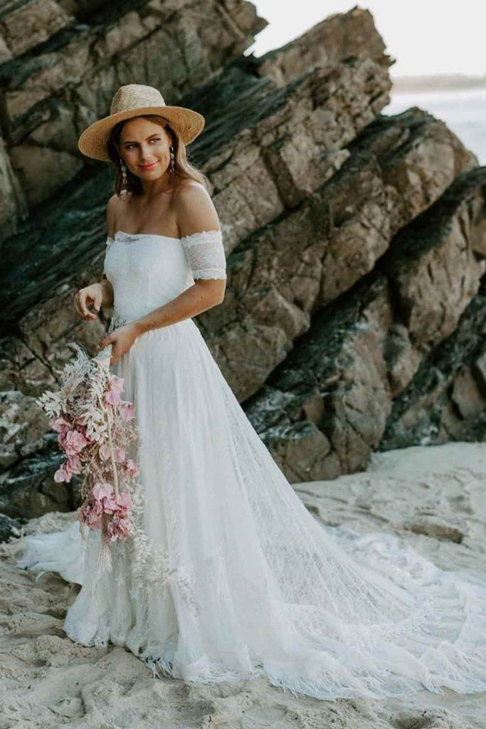 Shoulder-Off Bohemian Wedding Dress #bohostyle #bride