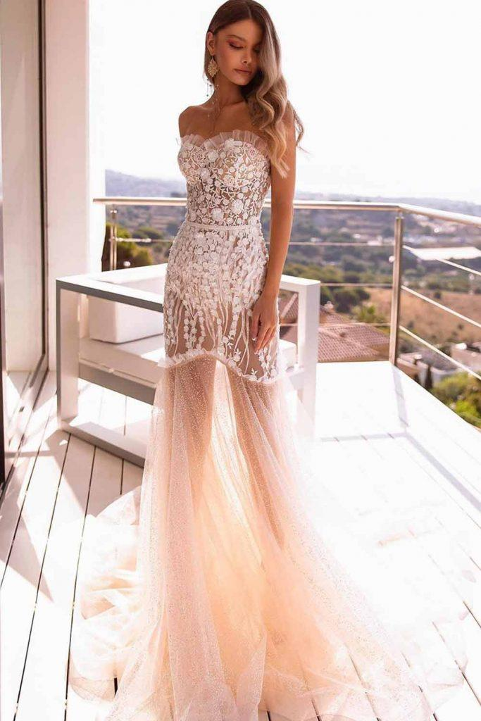 Sexy Strapless Wedding Dress #straplessdress #sexydress