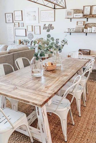 Wood Vintage Table With Metal Chairs #metalchairs #woodtable