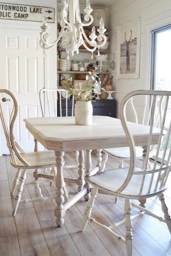 Small Dinner Table In Classic Style #classicsmalltable