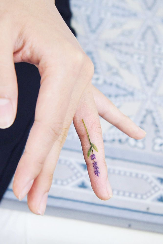 Side Finger Tattoos With Lavender Flower #lavenderflowertattoo #lavendertattoo #flowertattoo