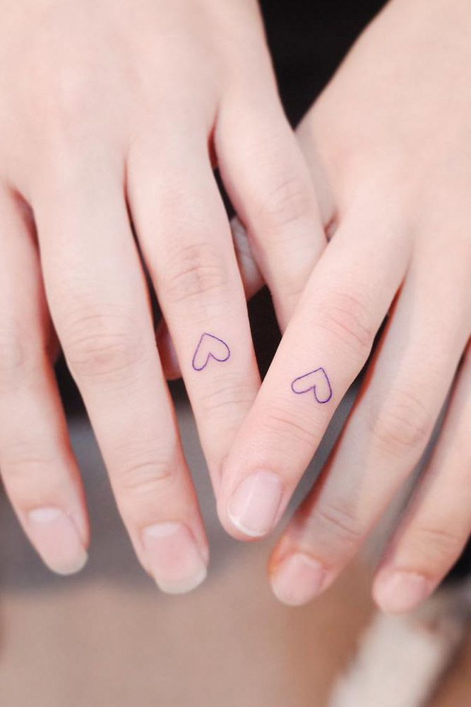 Matching Finger Tattoos With Hearts #hearttattoo #matchingtattoos