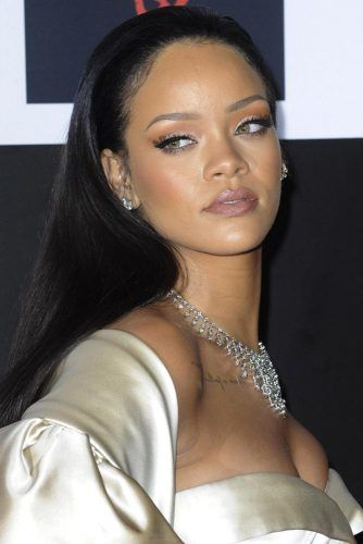 Rihanna #hotstar #beautifulcurves