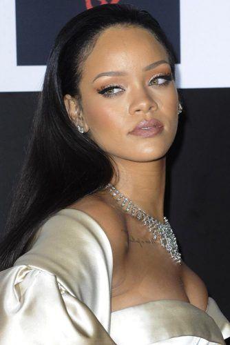 Rihanna #hotstar #beautifulcurves