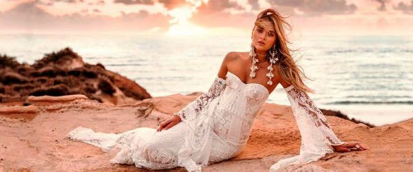 Elegant Beach Wedding Dresses For The Unforgettable Big Day