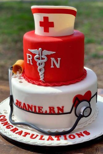 Medical Graduation Cake #medicalcake #nursingcapdecor