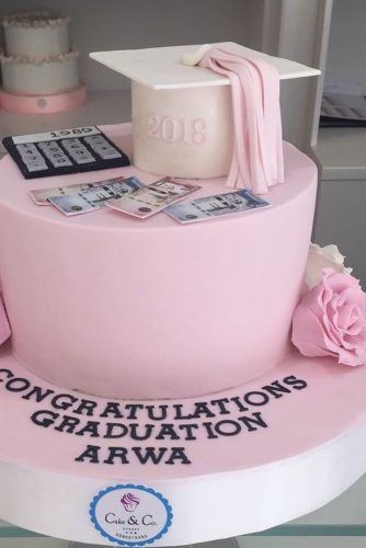 Pink Graduation Cake Design #moneycakedecor
