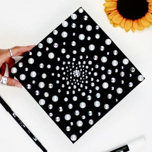 Graduation Cap With Pearls And Crystals #graduationcapwithcrystals #glamgraduationcap