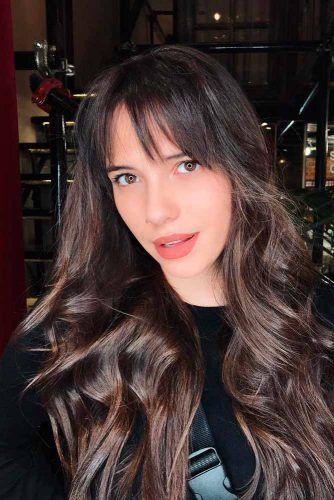 Straight Bangs #brunettehair #wavyhairstyles