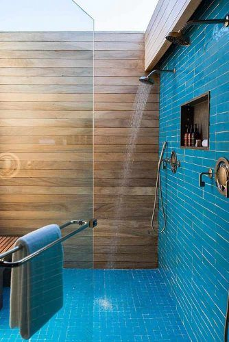 Blue Colors And Textures Shower With Setting Place #bluecolors #settingplace