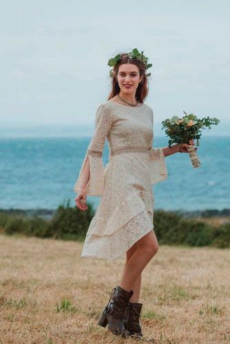 Asymmetrical Boho Wedding Dress With Long Sleeves #bohodress #bohemiandress