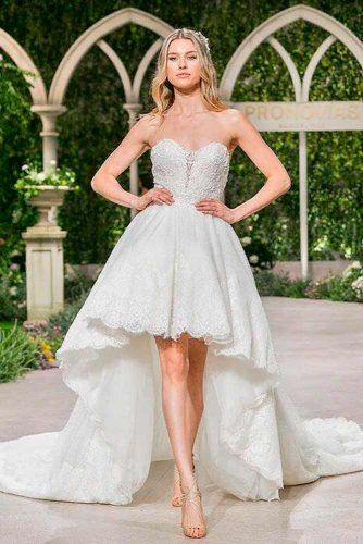 Strapless Wedding Dress With Long Tail #longtaildress #shoulderoffdress
