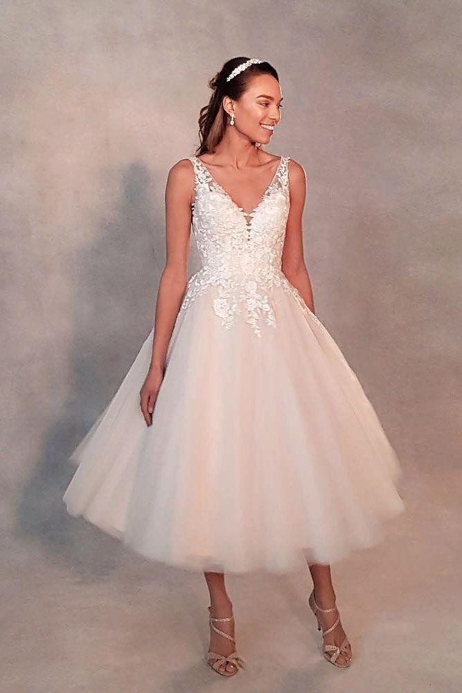 V-Neck Short Wedding Dress With Lace Top #lacedress #classicweddingdress